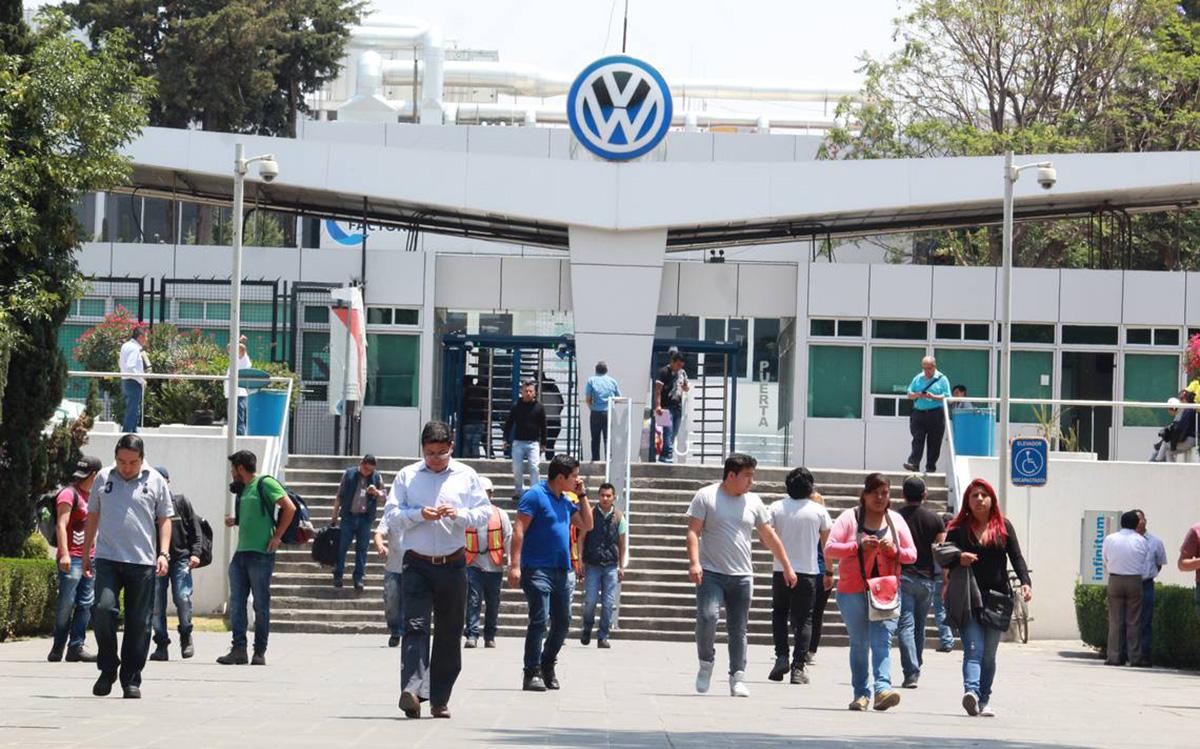10,000 trabajadores de VW regresan a trabajar con 65% de su salario