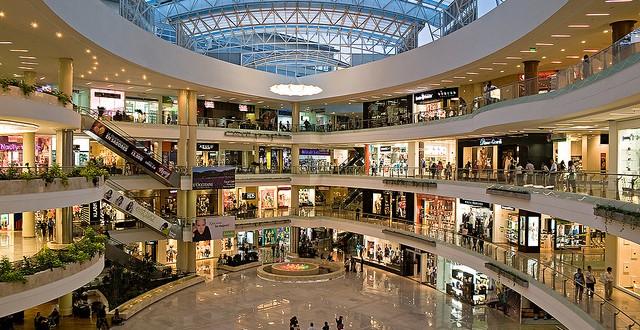 2 mil 500 locales de centros comerciales cierran sus puertas para siempre