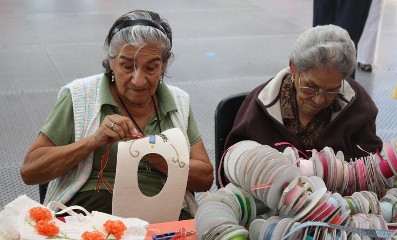 3 de cada 4 adultos mayores trabajan en condiciones precarias