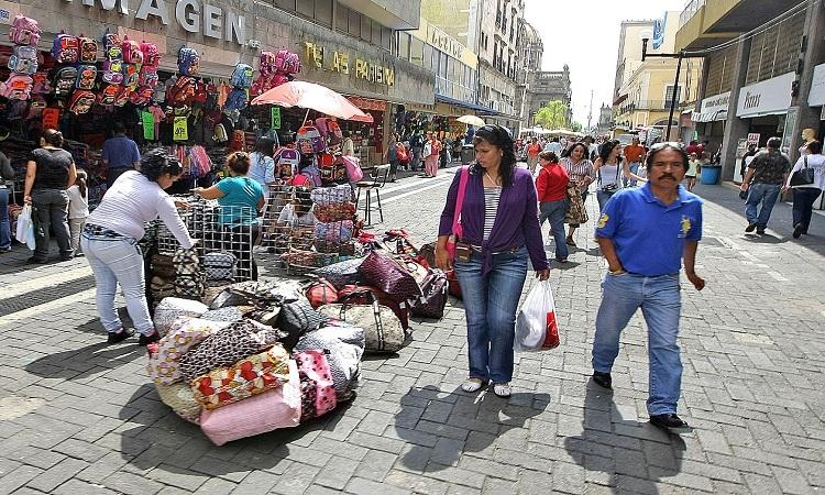 30 millones de mexicanos laboran en la informalidad