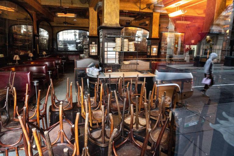 35.9% de restauranteros despidieron personal por Covid-19
