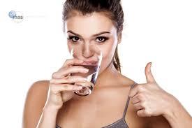 50% de mexicanos no toma suficiente agua simple