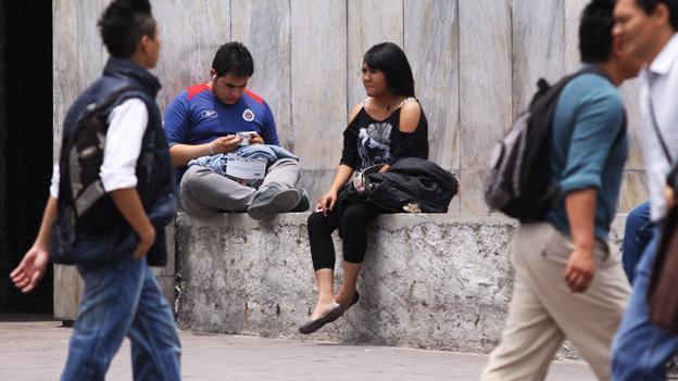 7 millones de jóvenes que ni estudian ni trabajan: OCDE