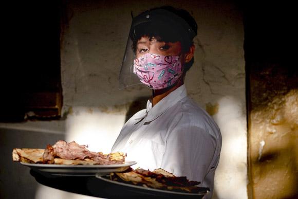 9 historias de supervivencia de trabajadores del turismo ante la pandemia