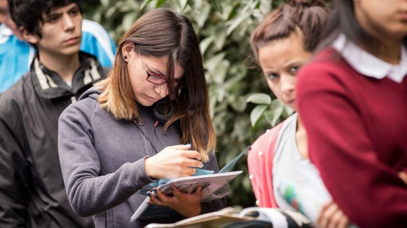 A jóvenes, 40% de nuevos empleos, destaca Peña