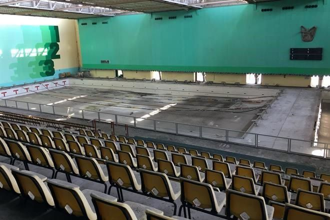 Abandonan alberca olímpica del IMSS