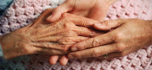 """Acaban enfermedades crónico-degenerativas con los """"viejitos"""""""