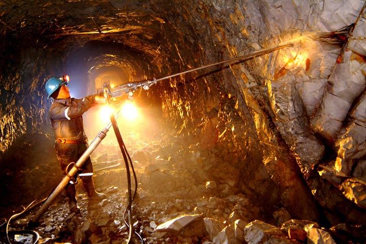 """Aceptan """"acoso"""" sobre mineras"""