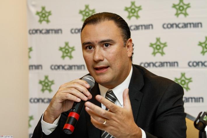 Acusan a CNTE de cierre de empresas y despidos