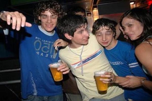 Advierten riesgos de consumo de alcohol en jóvenes