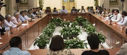 Ahora le toca a la CNTE: restituyen a maestros cesados
