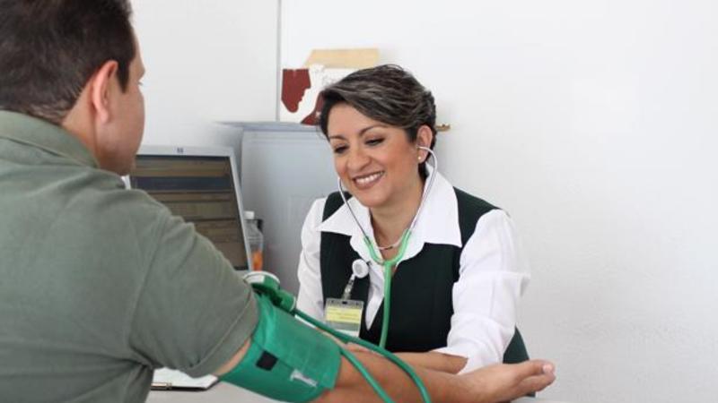Ajustes al Seguro Popular para garantizar medicamentos y atención médica