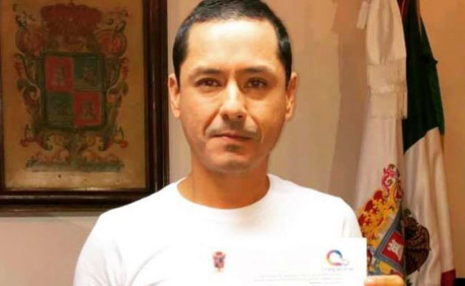 Alcalde de Campeche firma suspensión laboral de líder sindical