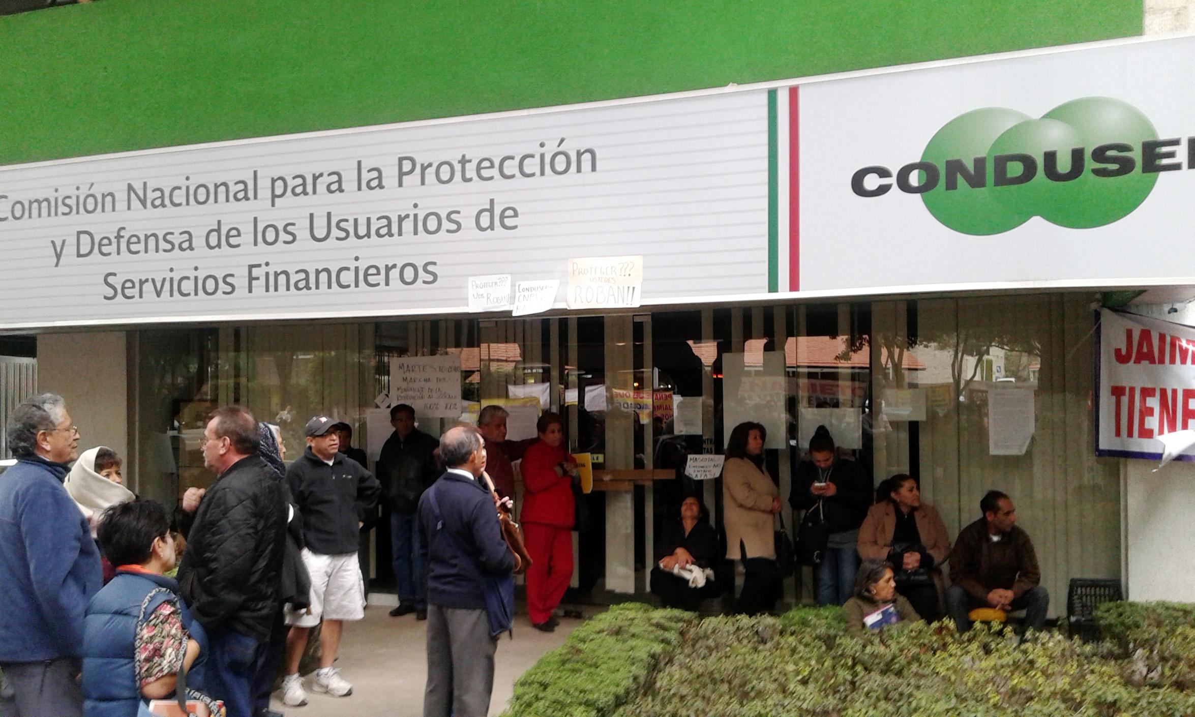 Alertan fraudes con gestores de crédito