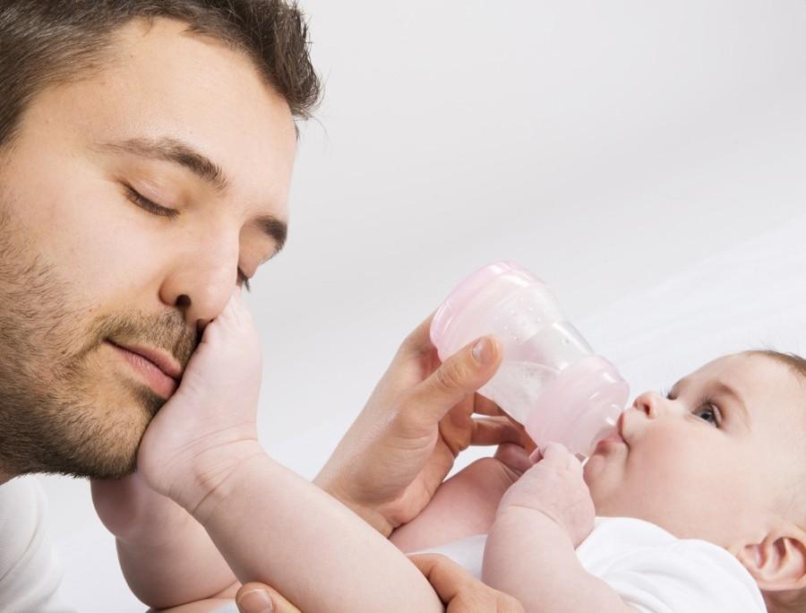Amplían licencia por paternidad