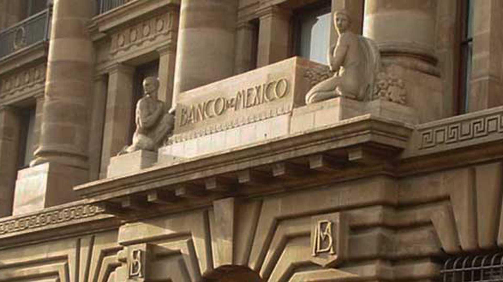 Analistas prevén apretón más fuerte de Banxico este mes