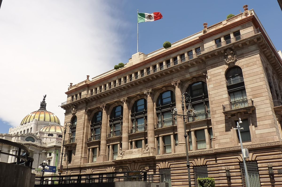 Anticipan retiros en Banxico por austeridad