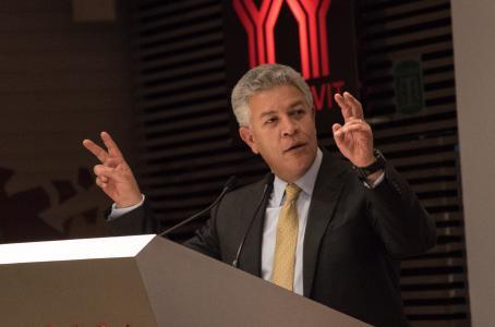 Aplaude Infonavit compromiso del sector patronal