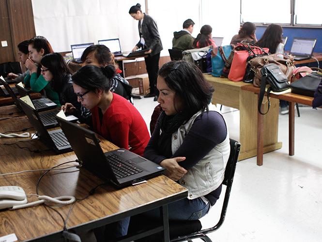 Aplican docentes evaluación de desempeño