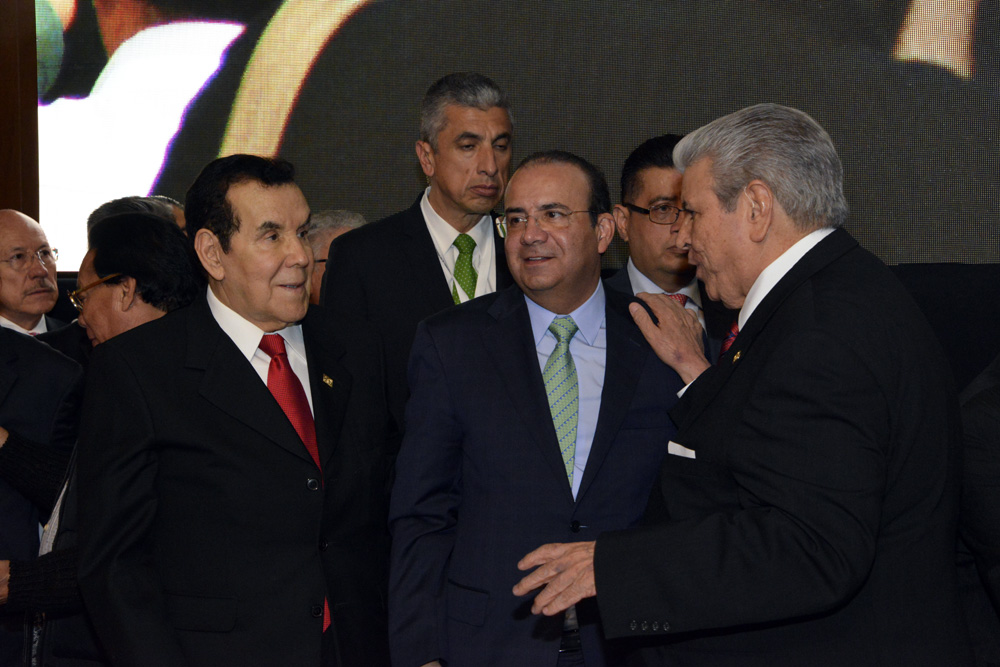 Armando Neyra es reelecto como dirigente