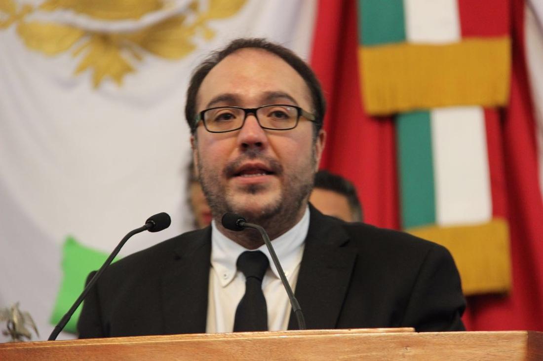 Asambleísta propone hasta 10 años de cárcel por exigir pago a trabajadores