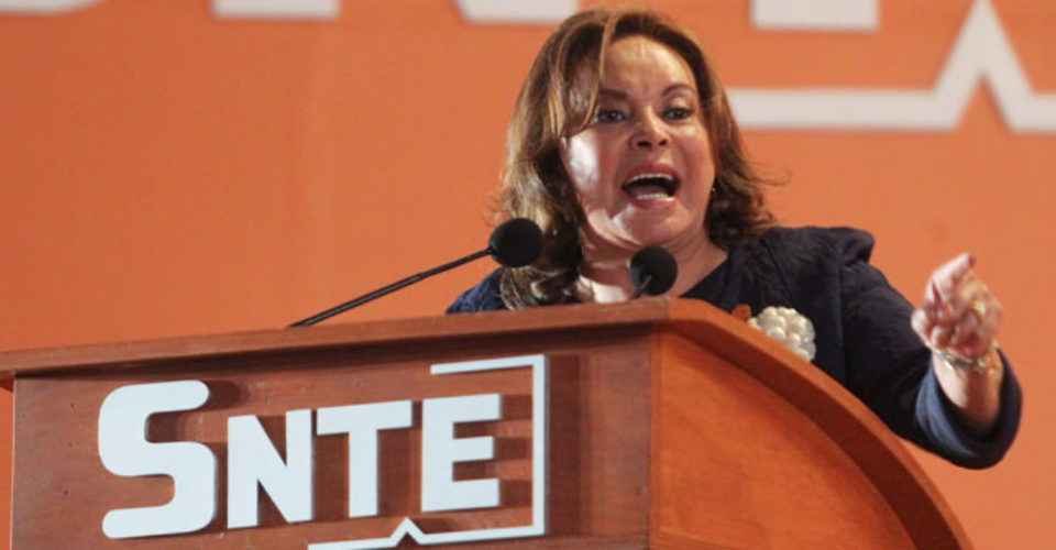 """Asegura Elba Esther que sigue siendo presidenta del SNTE: """"la ley es la ley"""""""