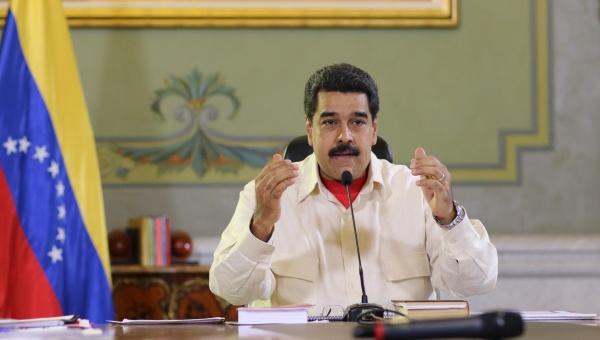 Aumenta Maduro salario mínimo y pensiones