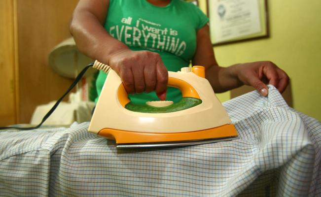 Avalan derechos laborales de empleadas domésticas