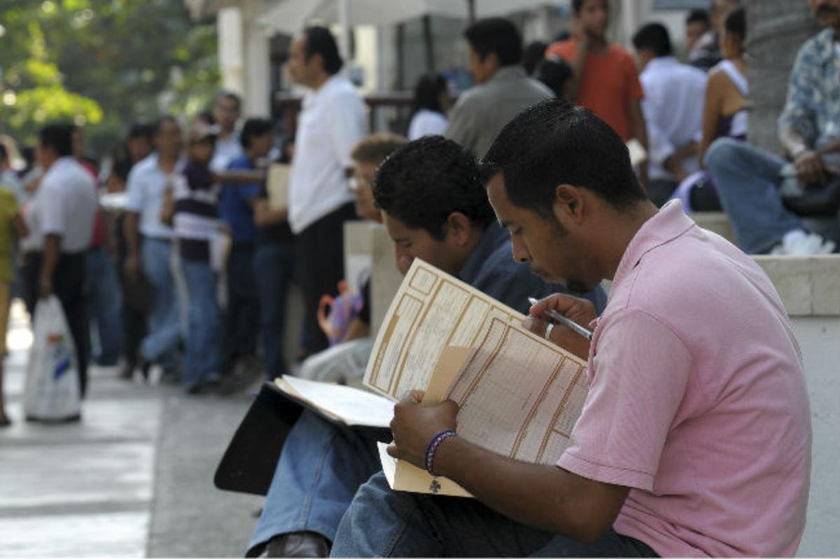 Baja desempleo, pero jóvenes no encuentran trabajo: OCDE