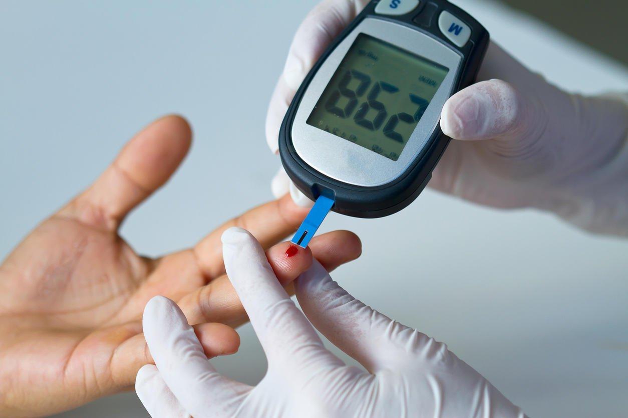Baja drástica en el azúcar causa impacto psicológico en diabéticos