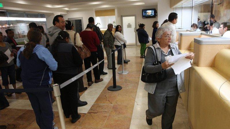 Bancos optan por esquema outsourcing
