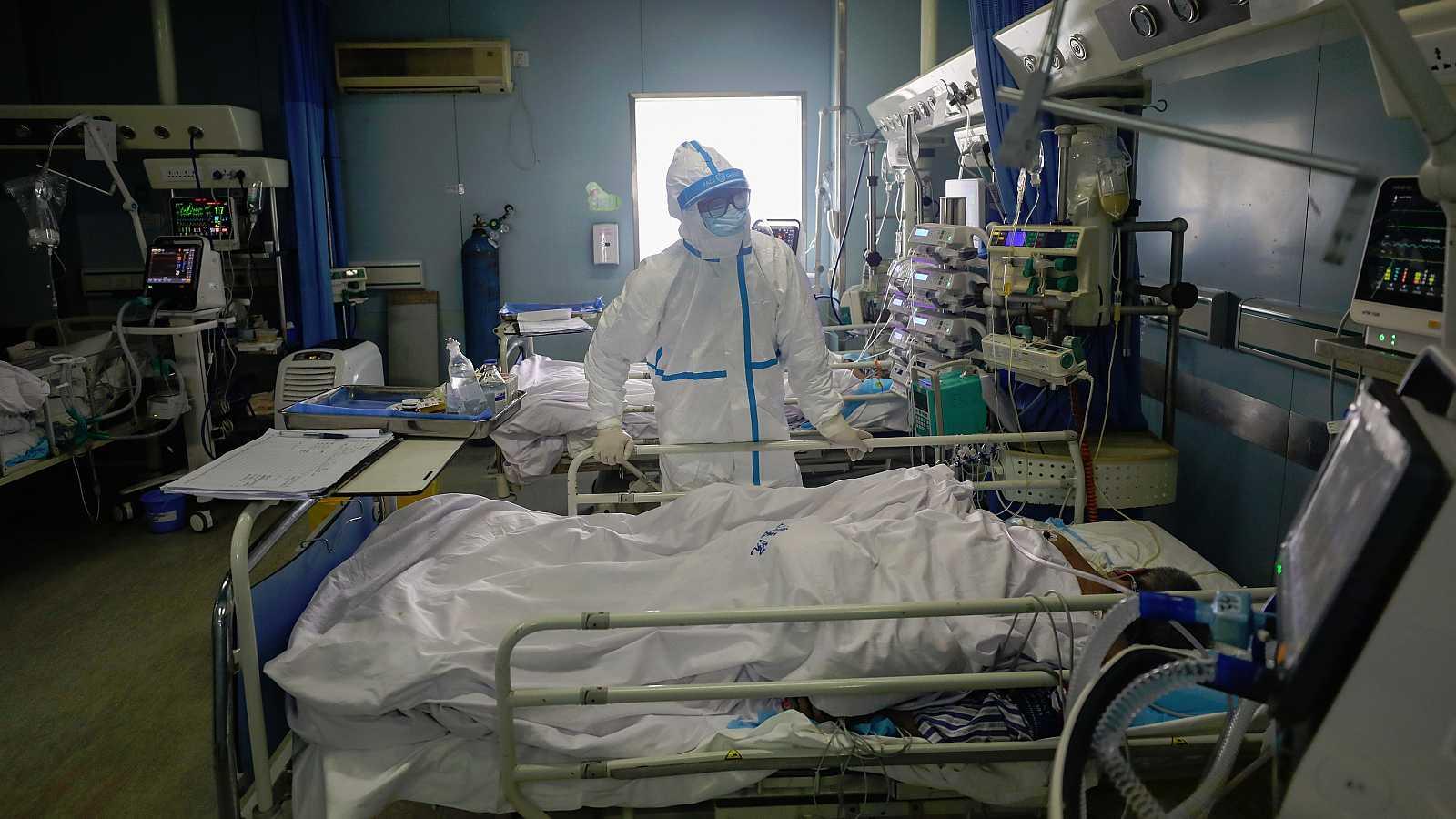 Bienvenida la nueva normalidad: 9 mil 779 muertos por coronavirus