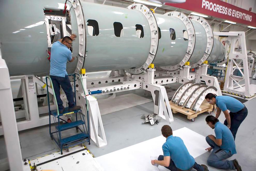 Bombardier recortará 7 mil 500 empleos