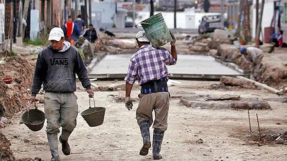 Brecha laboral en México: Una de cada cuatro personas necesita un empleo