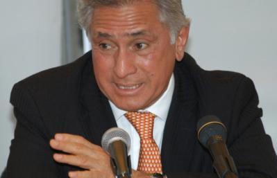 Burócratas recibirán 10,900 pesos en vales
