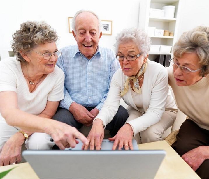 Buscan reinsertar a ancianos a vida laboral