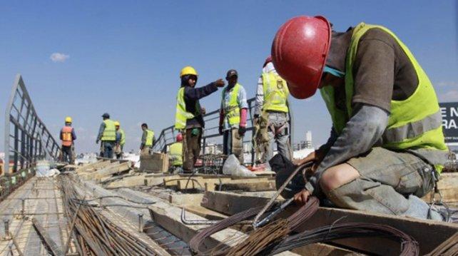 Cae empleo en obras públicas por recortes