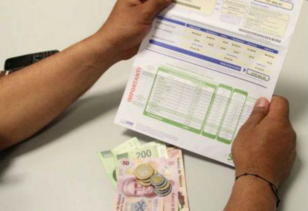 Caen ahorros de trabajadores en Afores