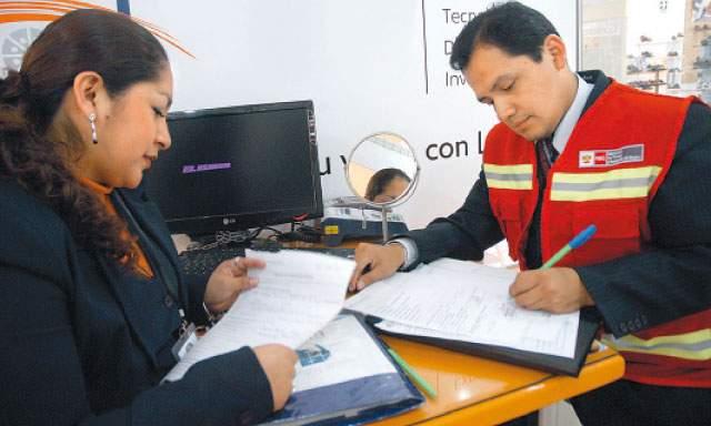 Capacitan a inspectores laborales