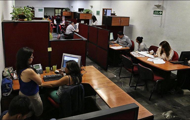 Casi vacías, oficinas de Presidencia; han salido más de 500 empleados