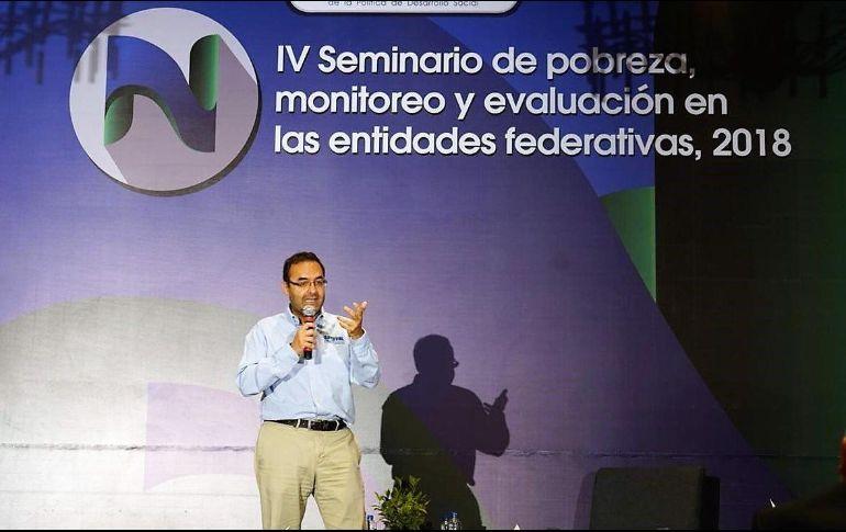 Coneval respalda porpuesta de AMLO de subir el salario mínimo a 171 pesos