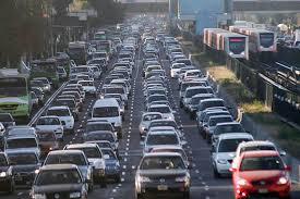 Consume tránsito tiempo laboral