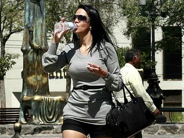 Consumen mexicanos 4.2 lts. menos de bebida azucarada