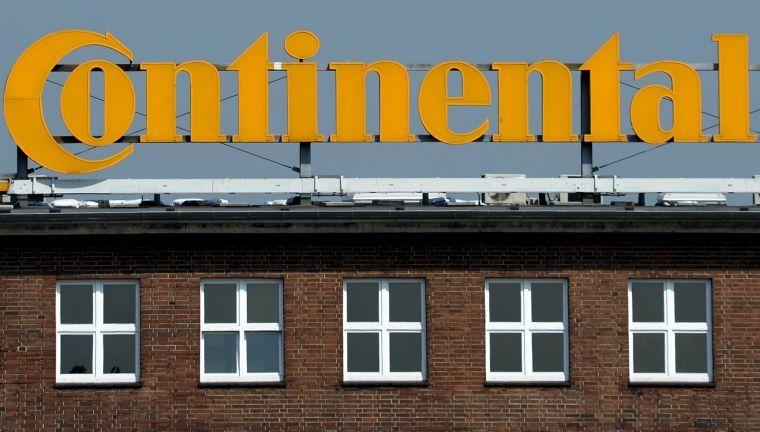 Continental prohibirá a sus empleados usar Whatsapp y Snapchat