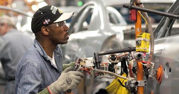 Crea EU 242 mil empleos más en febrero