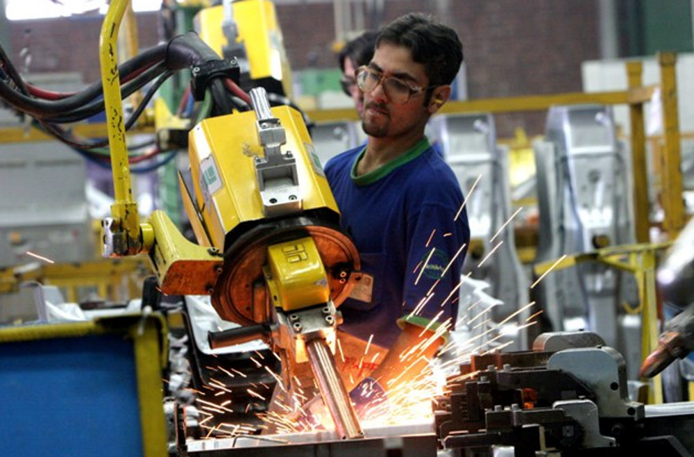 Crece 2.6%  empleo manufacturero en octubre