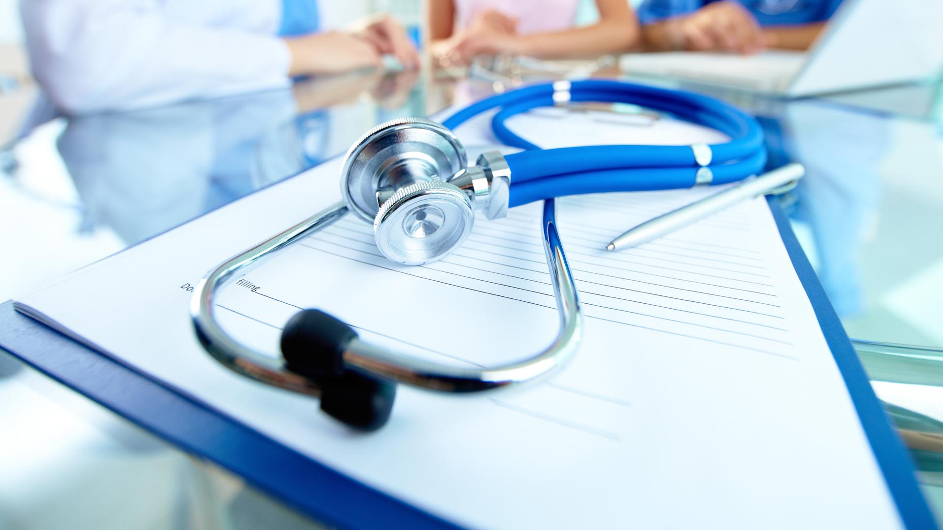 Crece casi 80 por ciento adopción del seguro de gastos médicos mayores en México