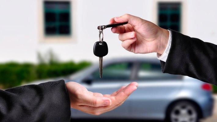 ¿Cuánto debes destinar de tu sueldo para la compra de un auto?