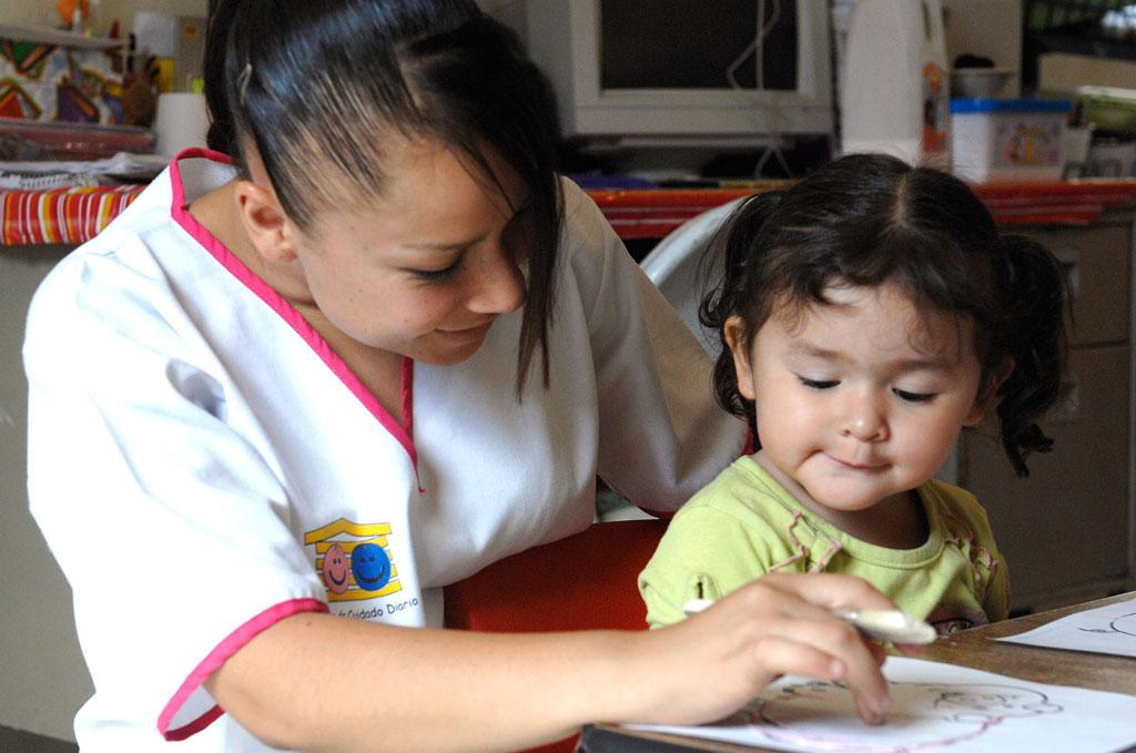 Cuida 70% de mujeres ninis a familiares