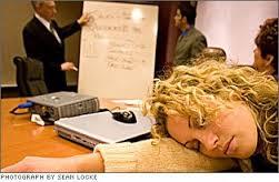 Cuida la comunicación no verbal en las reuniones